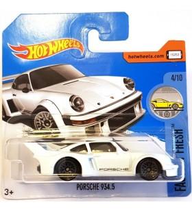 Hot Wheels Porsche 934.5 Factory Fresh 2017 Beyaz