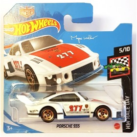 Hot Wheels Porsche 935 HW Race day - Urban Outlaw